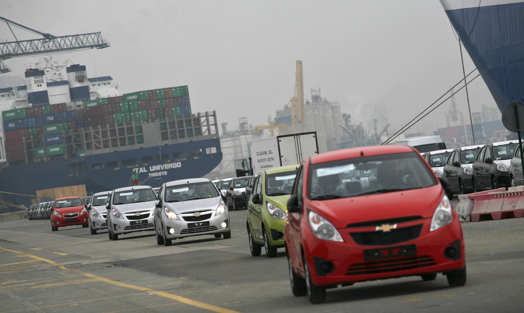 ESTIBA AUTOMÓVILES EN TERMINAL SETRAM PUERTO BARCELONA