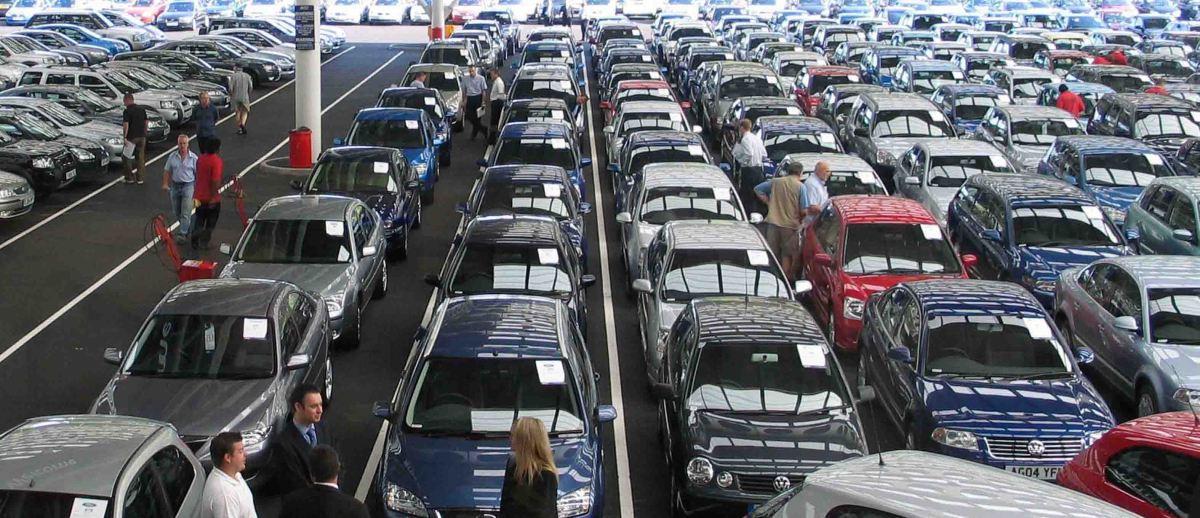 Irlanda, Portugal, España, Islandia y Lituania lideran el aumento de las ventas de automóviles hasta el 6,7% en enero 2015