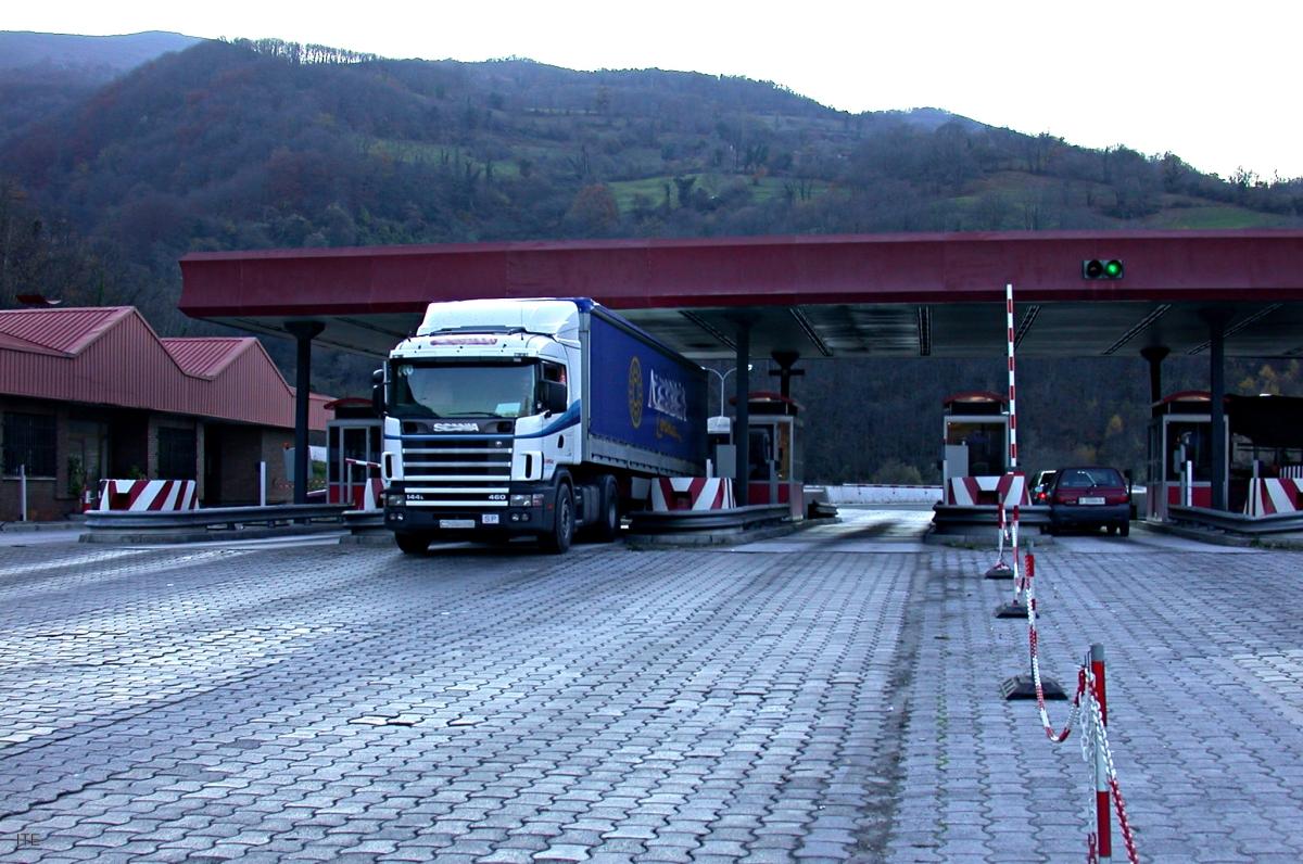 La CETM rechaza la obligatoriedad de circular por autopistas de peaje