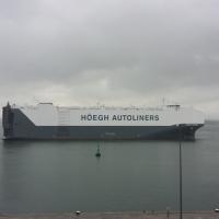 Puerto de Barcelona 2015: El barco portavehículos más grande del mundo