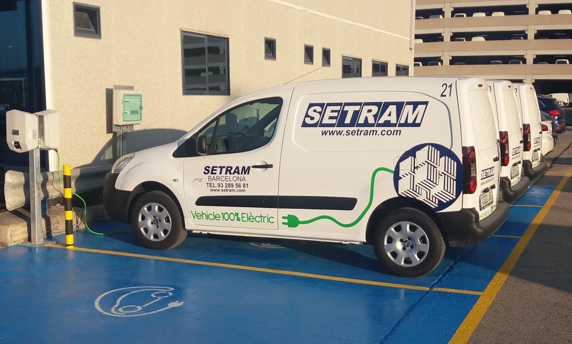Flota Vehículos Eléctricos SETRAM Puerto Barcelona